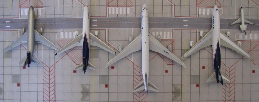 Size Comparison: DC-10, MD-11, 747-8, 747-400, CRJ